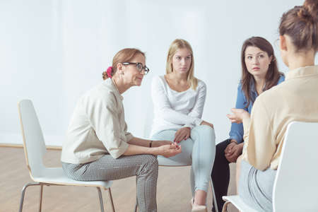 Photo pour Four successful women have their support group - image libre de droit