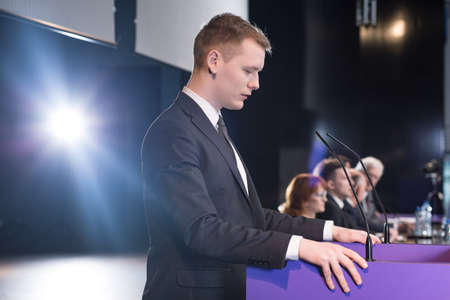 Foto per Young politician giving speech during his election campaign - Immagine Royalty Free