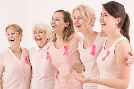 Photo pour Happy breast cancer survivors supporting each other - image libre de droit