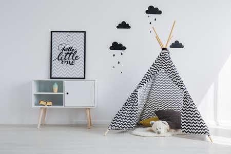 Foto de Tipi tent in the black and white kid room - Imagen libre de derechos