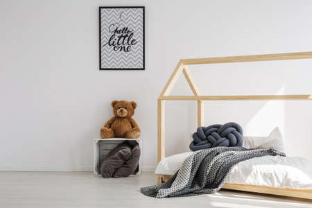 Photo pour Minimal, bright kid room in scandinavian style - image libre de droit
