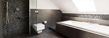 Foto de Concrete modern bathroom design with little decorative tiles - Imagen libre de derechos