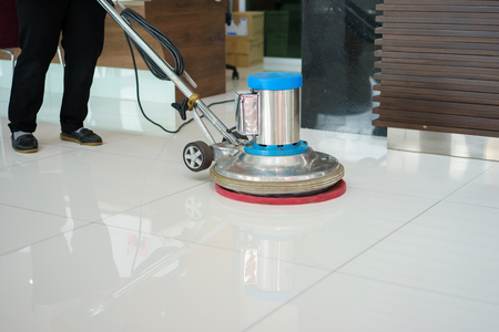 Photo pour cleaning floor with machine. - image libre de droit