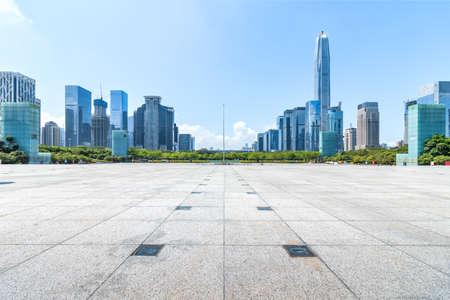 Photo pour Shenzhen center skyline and square - image libre de droit