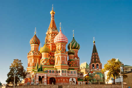Photo pour St. Basil Cathedral, Red Square, Moscow - image libre de droit