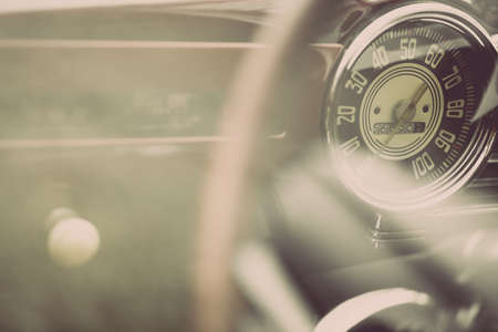 Foto de Color horizontal shot of the speedometer of a vintage car. - Imagen libre de derechos