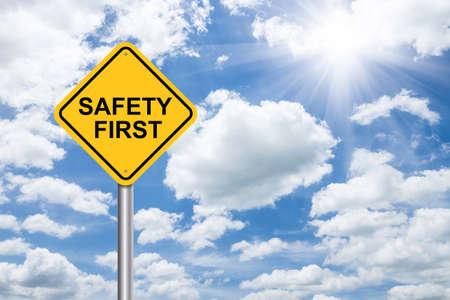 Photo pour safety first sign on blue sky - image libre de droit