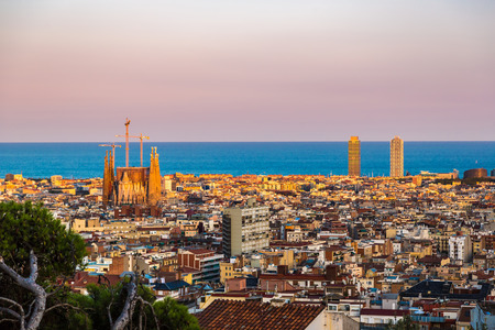 Foto de Panoramic view of Barcelona from Park Guell in a summer day in Spain - Imagen libre de derechos