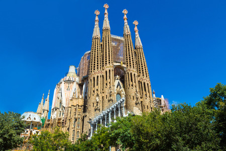 Foto de Sagrada Familia  in Barcelona in Spain in a summer day - Imagen libre de derechos