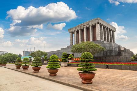 Foto de Ho Chi Minh Mausoleum in Hanoi, Vietnam in a summer day - Imagen libre de derechos