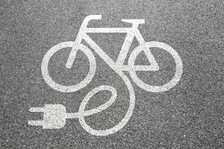 Photo pour E-Bike E Bike Ebike electric bike electro bicycle eco friendly town transport - image libre de droit
