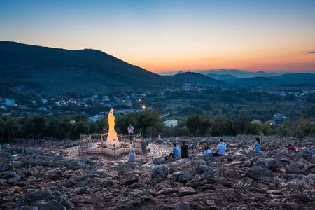Photo pour Statue of Virgin Mary in Medjugorje, Bosnia and Herzegovina - image libre de droit