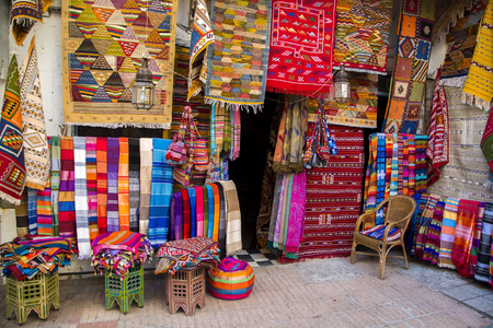 Photo pour Colorful fabrics on the Agadir market in Morocco - image libre de droit
