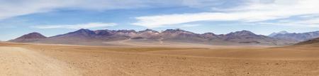 Foto de Dali desert at Eduardo Avaroa Andean Fauna National Reserve in Bolivia - Imagen libre de derechos