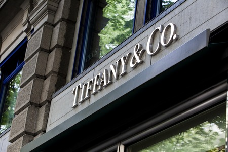 Photo pour ZURICH, SWITZERLAND - MAY 17, 2018: Detail of Tiffany and co. shop in Zurich, Switzerland. It  is an American multinational luxury jewelry and specialty retailer founded at 1837. - image libre de droit