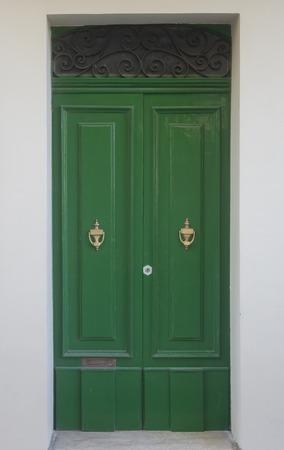 Foto de View at traditional front door from building on Malta - Imagen libre de derechos