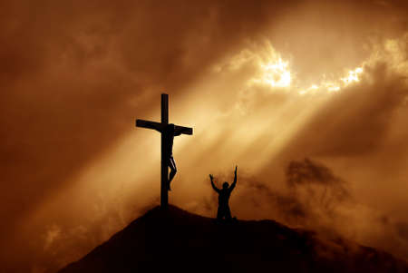 Photo pour Silhouette of a man praying before a cross at sunset concept of religion - image libre de droit