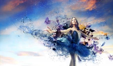 Photo pour beautiful dancer posing in blue tutu - image libre de droit