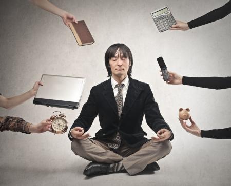 Foto de businessman meditating - Imagen libre de derechos