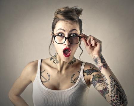 Photo pour Surprised girl - image libre de droit