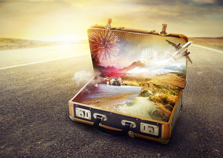 Photo pour Suitcase of your dreams - image libre de droit