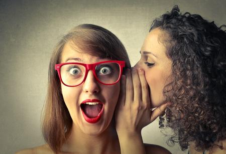 Photo pour Secrets between friends - image libre de droit