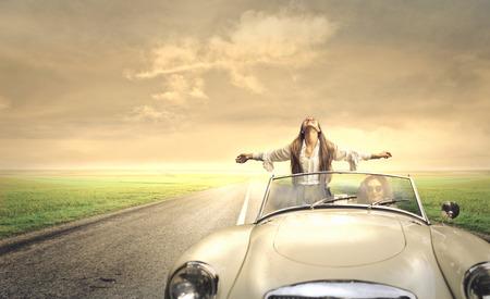 Photo pour Car travellers - image libre de droit