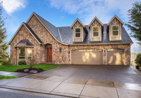 Foto de Beautiful, Newly Built Luxury Home Exterior - Imagen libre de derechos