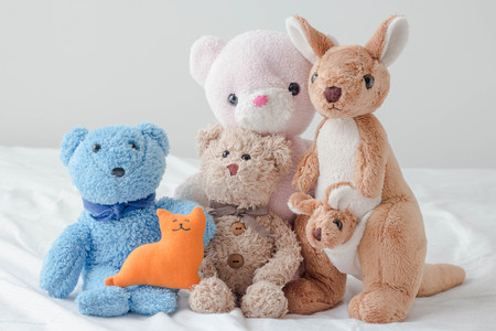 Foto de The teddy bear and the gang - Imagen libre de derechos
