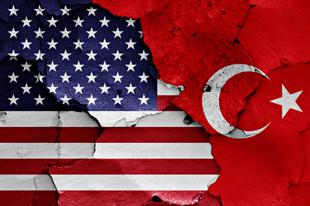 Photo pour flags of USA and Turkey  painted on cracked wall - image libre de droit