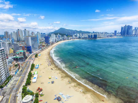 Foto de Aeril View of Sunny Summer Gwangalli Beach, Busan, South Korea, Asia.. - Imagen libre de derechos