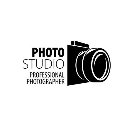 Illustration pour Vector logo template for a photographer or studio - image libre de droit
