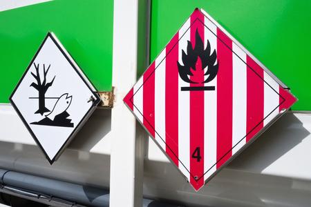 Foto de hazard labels (flammable solids and dangerous for the environment) - Imagen libre de derechos