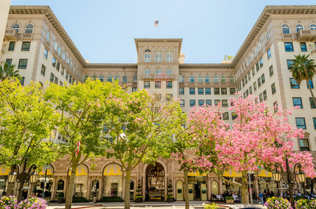Photo pour The Beverly Wilshire Hotel in Beverly Hills, California - image libre de droit