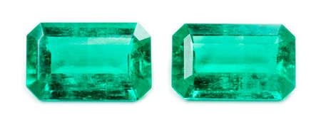 Photo pour Emerald isolated on white background - image libre de droit