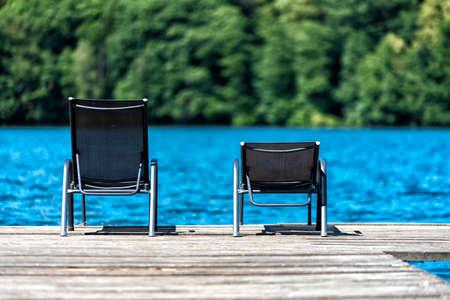 Foto de lake with bathing stage in summer in Europe - Imagen libre de derechos
