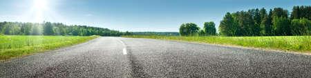 Foto de Road panorama on sunny spring day - Imagen libre de derechos