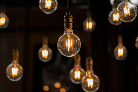 Foto de Luxury beautiful retro or vintage old style light bulb decor - Imagen libre de derechos