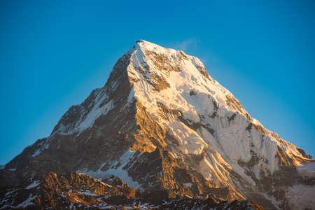 Photo pour Himalaya mountains, Nepal. - image libre de droit