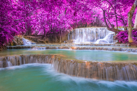 Photo pour Waterfall in rain forest (Tat Kuang Si Waterfalls at Luang prabang, Laos.) - image libre de droit