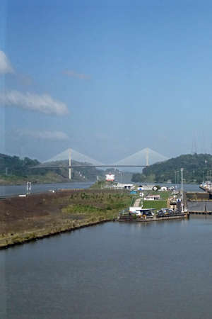 Foto per Giant locks allow huge ships to pass through the Panama Canal - Immagine Royalty Free