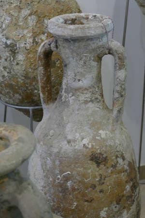Foto de Amphorae from ancient shipwrecks, Maritime Museum, Split, Croatia - Imagen libre de derechos