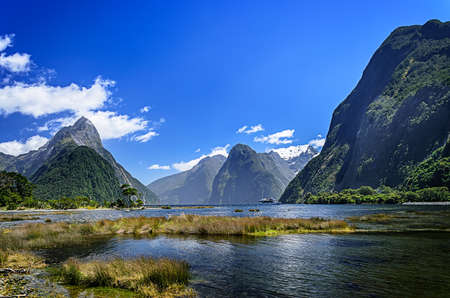 Photo pour Milford Sound. Fiordland national park, New Zealand - image libre de droit