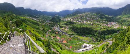 Foto de Green landscape near Sao Vicente, Madeira, Portugal - Imagen libre de derechos