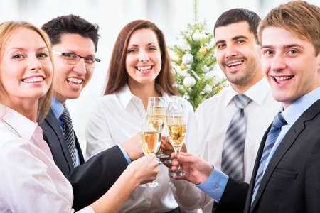 Foto de Happy people with of crystal glasses full of champagne - Imagen libre de derechos