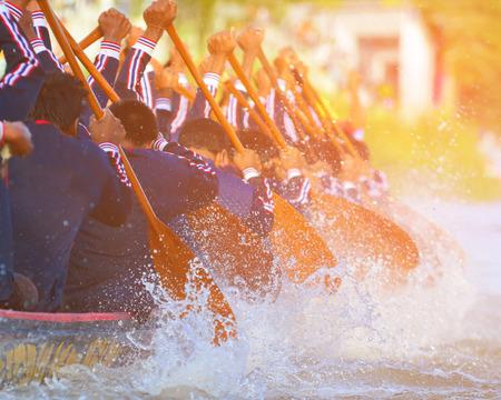 Photo pour rowing team race and color tone effect - image libre de droit