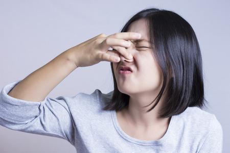 Photo pour Woman Smelling - image libre de droit