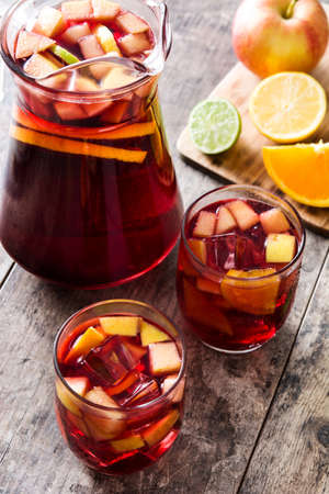 Foto de Sangria drink in glass on wooden table - Imagen libre de derechos