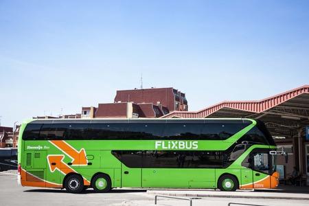 Foto per VUKOVAR, CROATIA - APRIL 20, 2018: Flixbus bus ready for departure in Vukovar Bus station. Flixbus is a German brand which offers low cost intercity bus service all accross Europe - Immagine Royalty Free