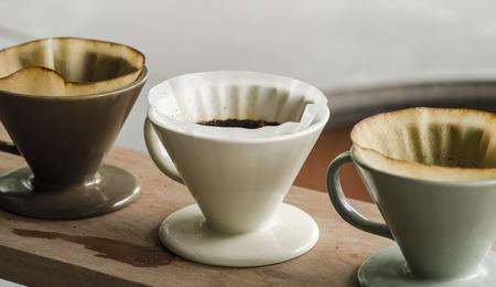 Photo pour Kits for making fresh coffee in vintage tone - image libre de droit